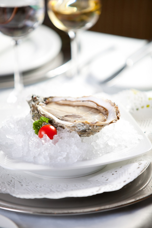 Hors D'Oeuvres: Oysters